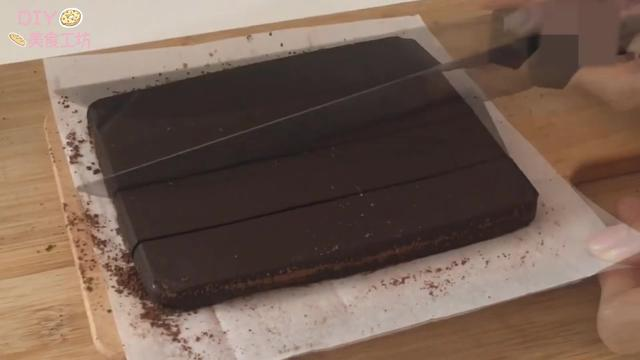 「烘焙教程」巧克力怎么做最好吃?教你做日常零食—生巧克力