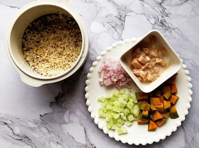 南瓜鸡肉烩饭丨好吃又营养,最主要的是能提高小朋友的免疫力哦