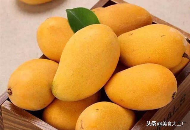 """芒果""""发黑""""是坏了吗?水果店老板说出答案,网友:20年白吃了"""
