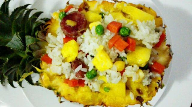 舌尖上的夏日美食:菠萝饭,酸甜开胃