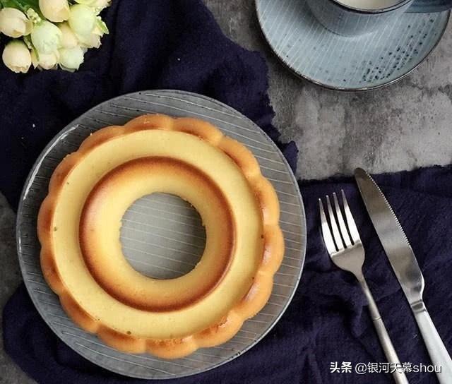 「蛋糕教程」杏仁蛋糕,内部组织松软,香甜可口,吃一次就上瘾