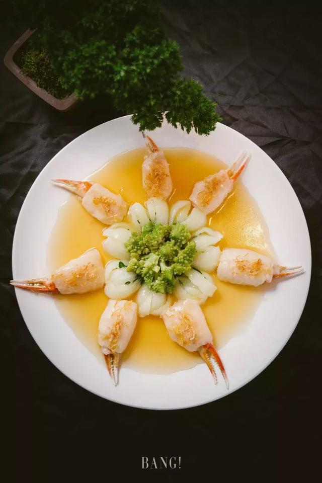 走进20年代的老上海,享受古法粤菜的魅力。
