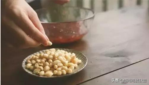 宫保鸡丁的做法,简简单单一道家常菜搞定了
