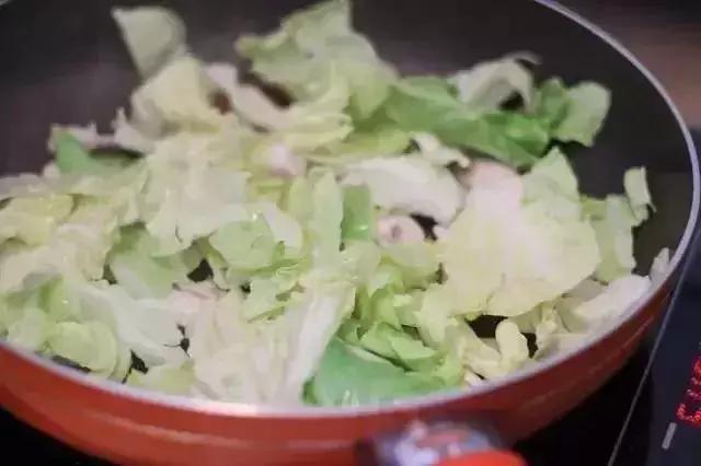 两块钱能炒一大盘的它,竟是高级养生菜,好吃又健康