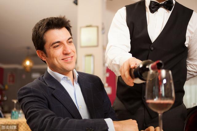 商务酒局懂一点红酒礼仪,会更容易成功