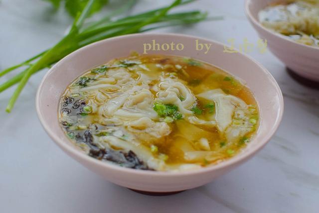 猫耳朵小馄饨,比饺子简单比面条好吃,拌馅调汤包法一次都学会