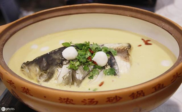 花生腐竹鱼头汤的做法