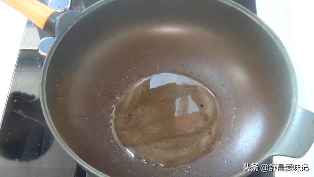 油泼面在家做更好吃,食材简单,做法容易,好吃停不下