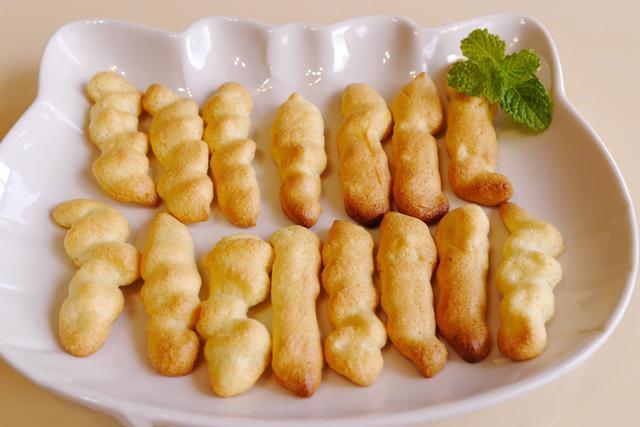 手工杏仁饼干,没有面粉泡打粉、奶与油,超低糖又健康的手指食物