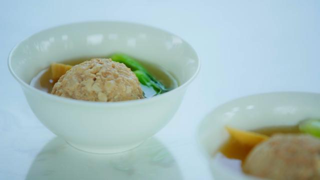 清炖狮子头、月牙蒸饺,一招教你在家做,扬州名菜想吃不必下扬州!