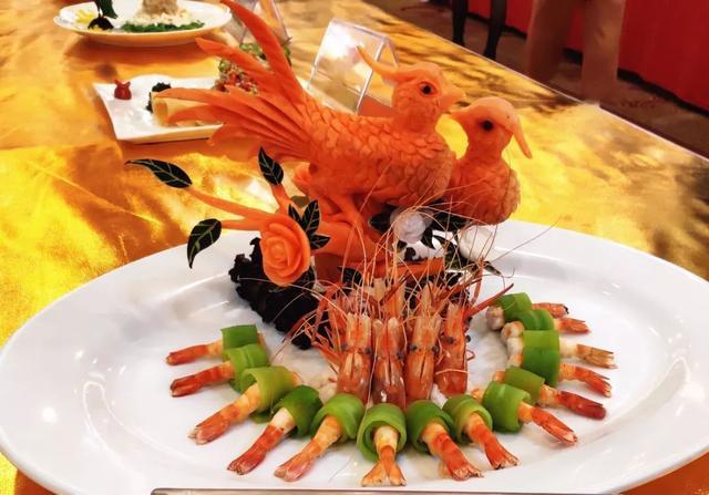 看饿了!凉瓜糕、凉瓜汤、冰镇凉瓜......粤菜师傅显身手,杜阮凉瓜盛夏归来!!