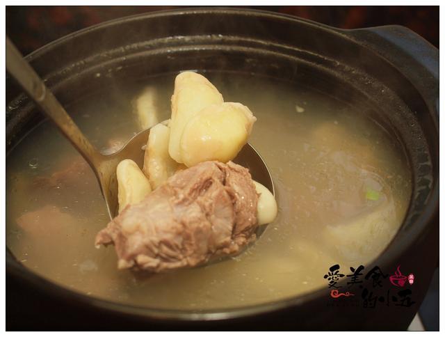 菱角瘦肉汤:我们喝汤,你们吃肉