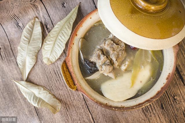 黑豆红枣排骨汤做法