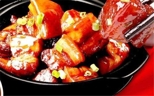 红烧肉怎么做才好吃?糖色又应该怎么炒?直到今天我才弄明白