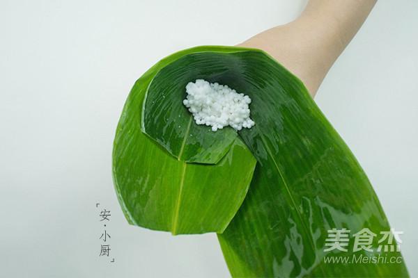 包粽子别只会用糯米了,试试这种做法,个个晶莹剔透,Q弹不粘牙