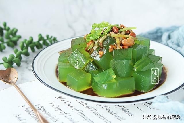 夏天黄瓜这样做,清热消暑,比凉拌还好吃,一上桌就疯抢
