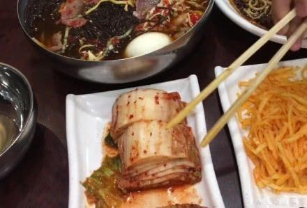 直到在延边吃了几顿饭,我才发现这几年我们对东北菜的误解太深了
