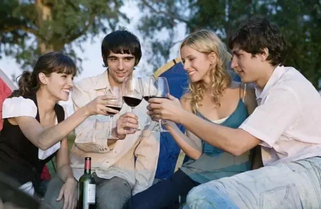 喝红酒的九个雷区,你不能碰!快告诉你身边的朋友和亲人